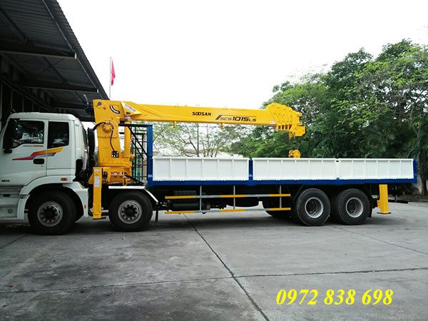 xe tải auman c300 gắn cẩu soosan scs1015ls