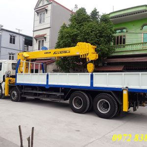 xe tải thaco auman 4 chân gắn cẩu soosan 12 tấn