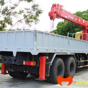 dongfeng 4 chân gắn cẩu 12 tấn atom1205