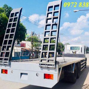 xe nâng đầu chở máy công trình hino 3 chân