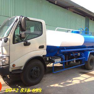 xe phun nước rửa đường hino 4 khối