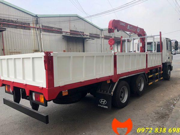 xe hyundai hd240 gắn cẩu unic 3 tấn