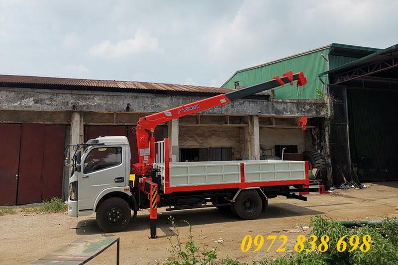 dongfeng gắn cẩu kanglim 3 tấn